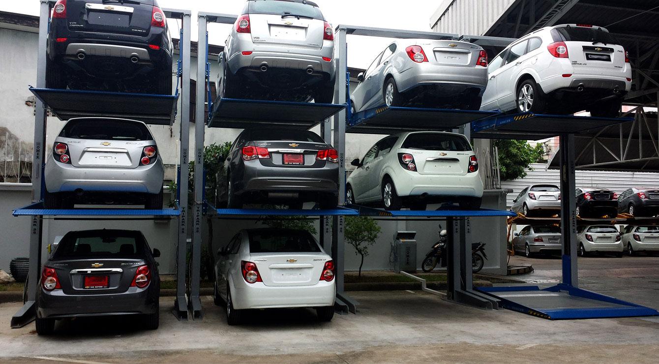 Ascensor vehiculos aparcamientos transportes de paneles for Garajes para carros